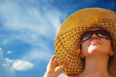 Bảo vệ da dưới trời nắng gắt