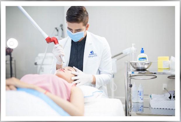Bác sĩ điều trị tàn nhang Gangwhoo