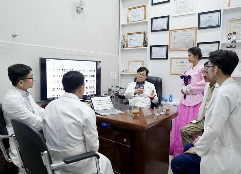 Giao lưu và chia sẻ kinh nghiệp cùng các bác sĩ Hàn Quốc - Gangwhoo
