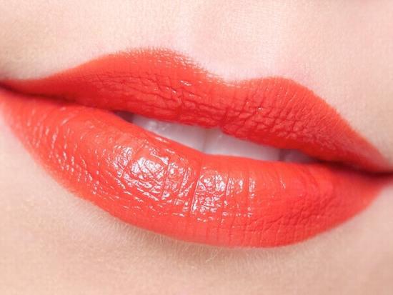 Phun môi vi chạm charmbaby 2