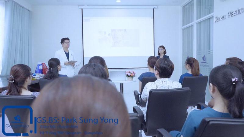 Đào tạo thẩm mỹ cùng giáo viên nước ngoài