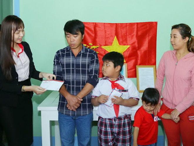 Thẩm Mỹ Viện Gangwhoo Chung Tay Xây Dựng Nhà Khăn Quàng Đỏ Cho Gia Đình Cháu Mẹ Việt Nam Anh hùng