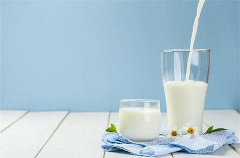sữa tươi giúp da mặt trắng sáng