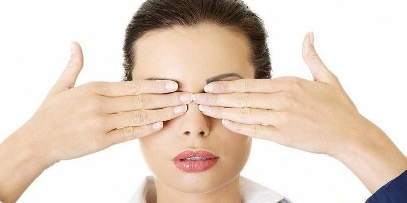 những để massage mắt đúng cách và hợp lý