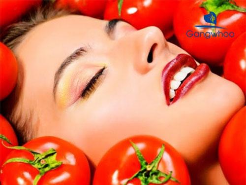 Cách se khít lỗ chân lông bằng cà chua