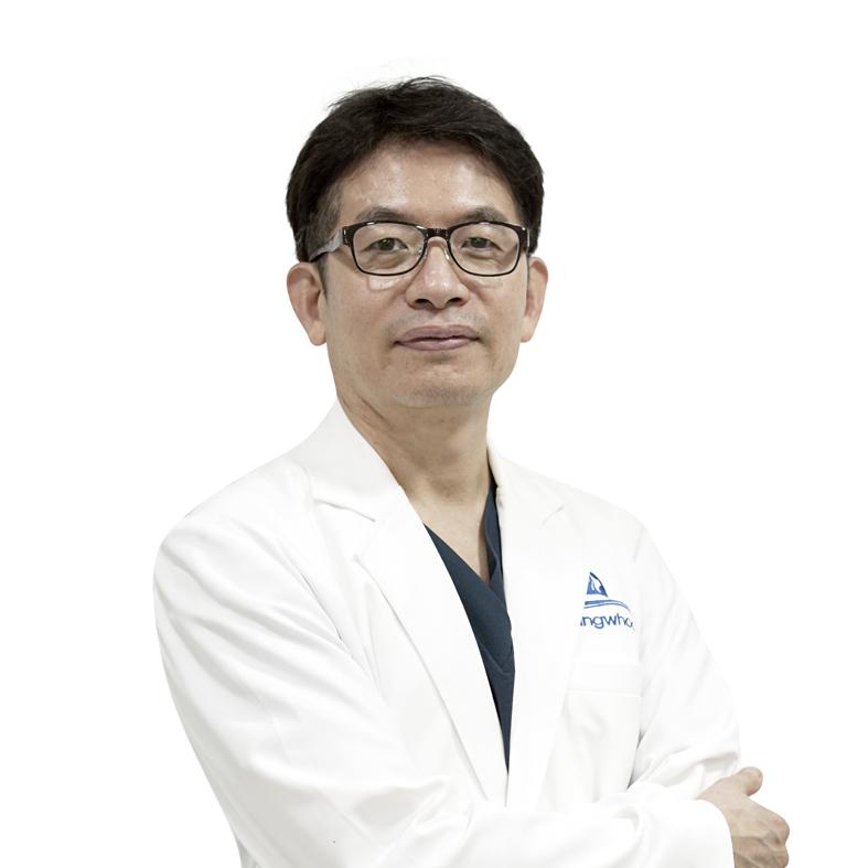 """Bác Sĩ Hàn Quốc Park Sung Yong """"Phù Thủy"""" Của TMV Gangwhoo 4"""