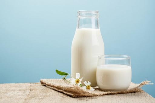 cách làm trắng da mặt bằng sữa tươi