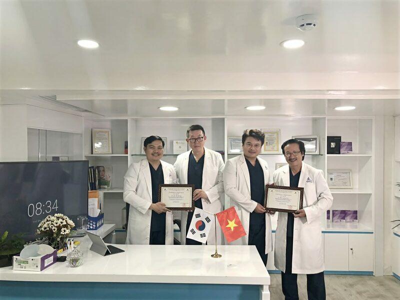 Đội ngũ bác sĩ điều trị sẹo rỗ tại Gangwhoo