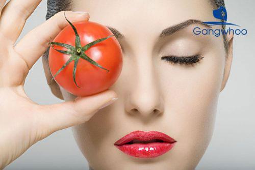 cách trị mụn đầu đen tại nhà với trái cà chua