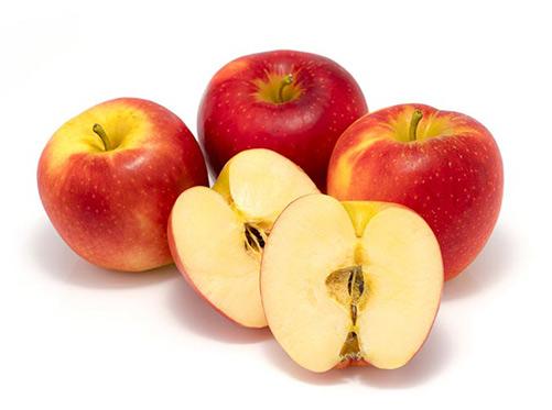 Cách đắp mặt nạ dưa leo đúng cách được kết hợp với táo
