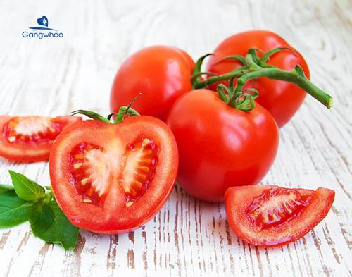 cách làm căng da mặt bằng mật ong và cà chua