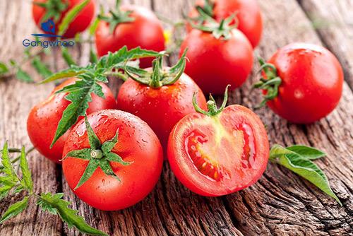 Cách làm trắng da toàn thân bằng cà chua