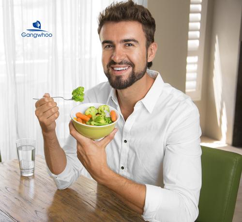 ăn nhiều rau xanh và trái cây giúp trẻ hóa làn da cho nam giới