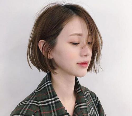 Nữ có khuôn mặt dài nên cắt tóc kiểu gì? Tóc bob rất hợp với nữ mặt dài