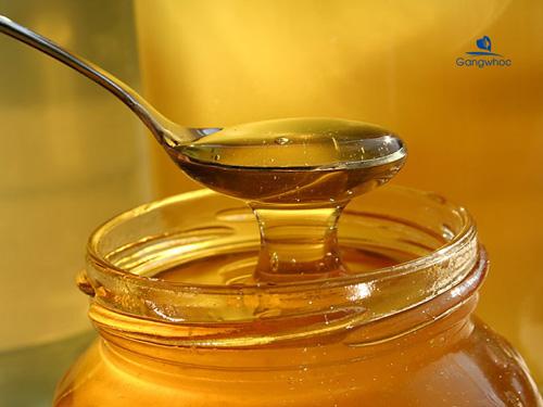 Mặt nạ bơ với mật ong nguyên chất