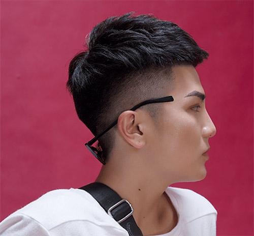 Con trai có dáng mũi tẹt nên để kiểu tóc nào? Kiểu tóc Mohican 2019