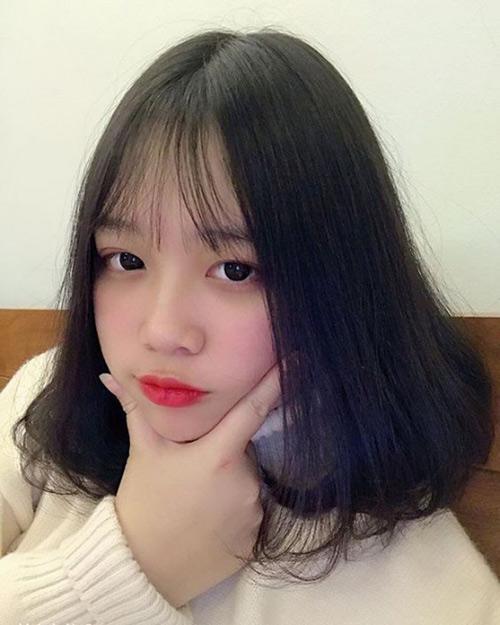 Nữ mũi tẹt nên để kiểu tóc nào? Tóc lỡ ngang vai, duỗi cụp đuôi