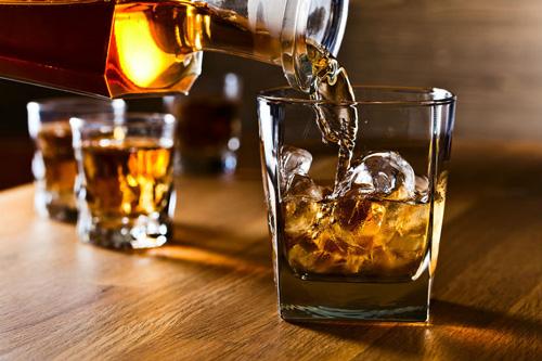 liệt dây thần kinh số 7 không nên sử dụng đồ uống có cồn