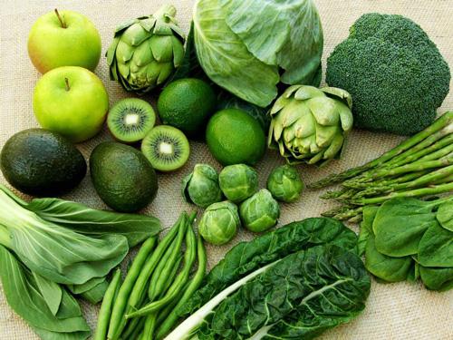rau có màu xanh đậm có lợi cho bệnh liệt dây thần kinh số 7