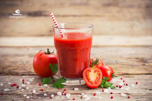 Nước ép cà chua là loại nước uống giảm cân hiệu quả