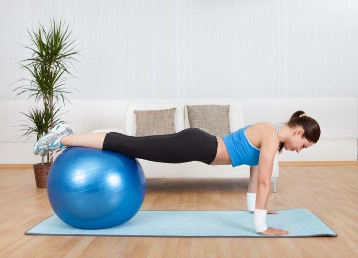 9 Bài Tập Pilates Giảm Cân Hiệu Quả Tại Nhà 5