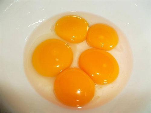 Cách đắp mặt nạ cám gạo và trứng gà