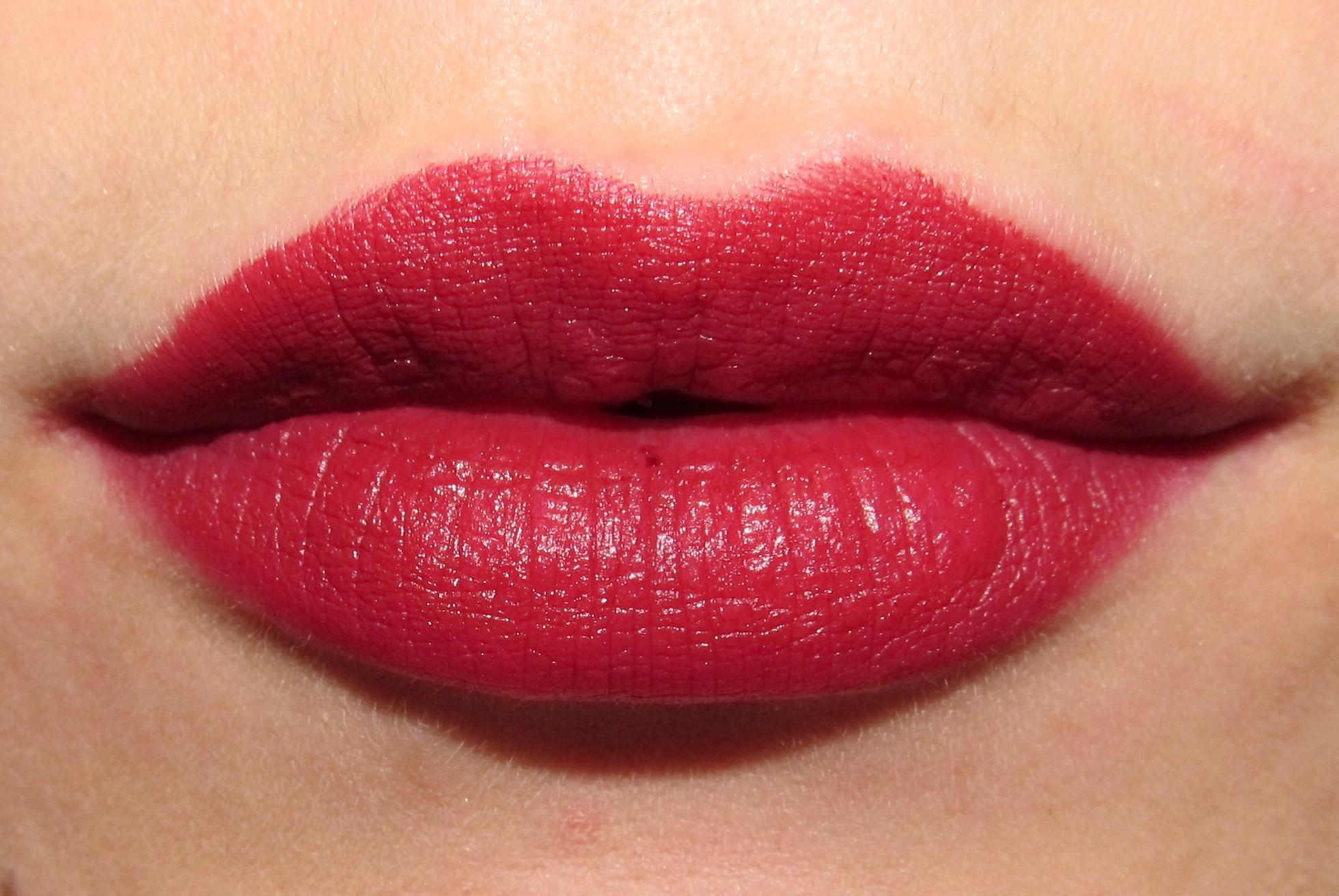Bảng Màu Phun Môi - đỏ Ruby
