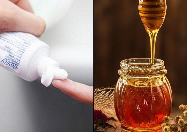 Hướng dẫn tẩy ria mép bằng kem đánh răng và mật ong